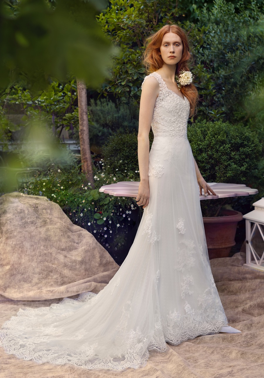 Annasul y designer wedding dresses bridal gowns for Designer wedding dresses uk